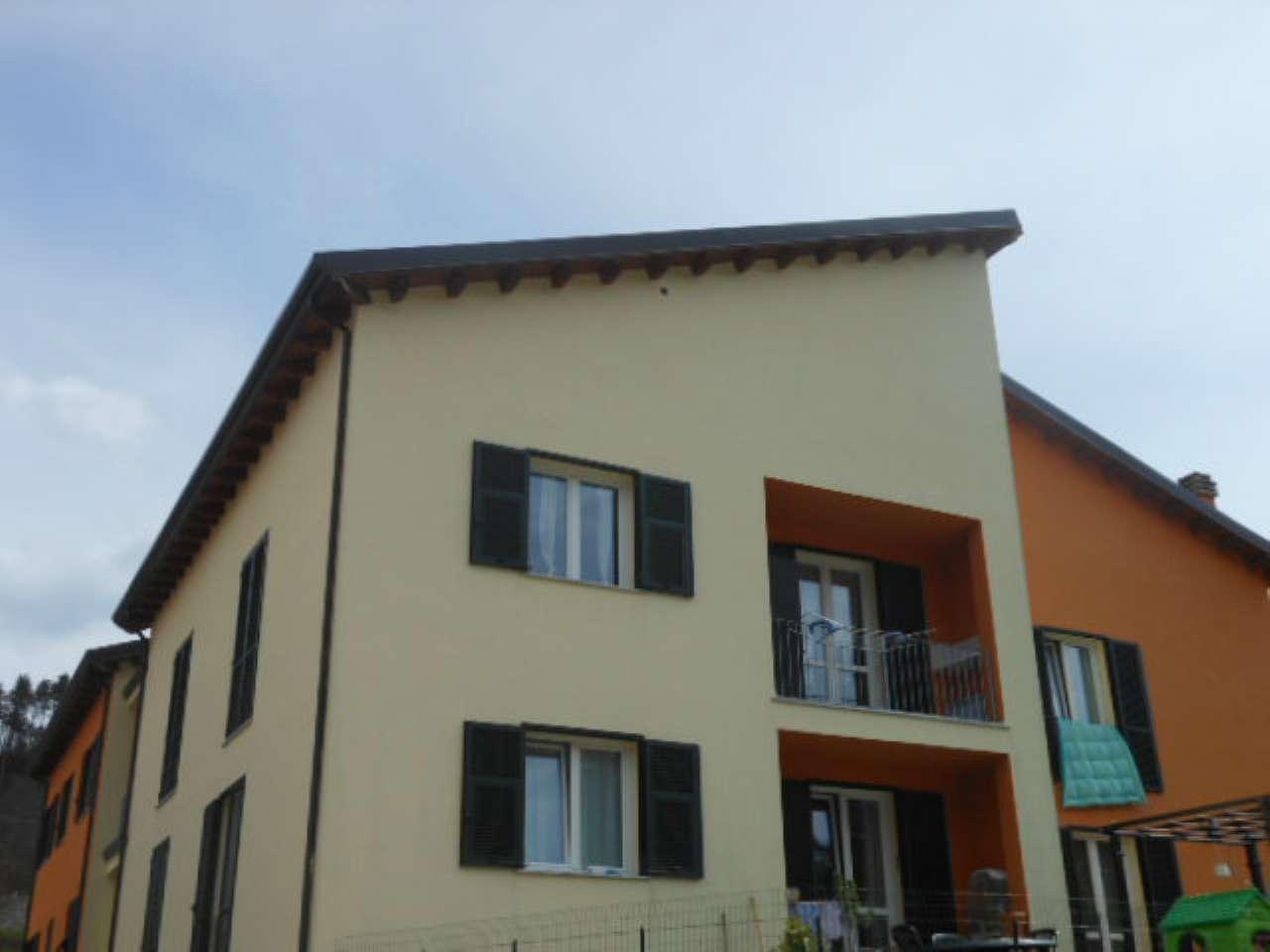 Appartamento in vendita a Riccò del Golfo di Spezia, 5 locali, prezzo € 125.000 | CambioCasa.it