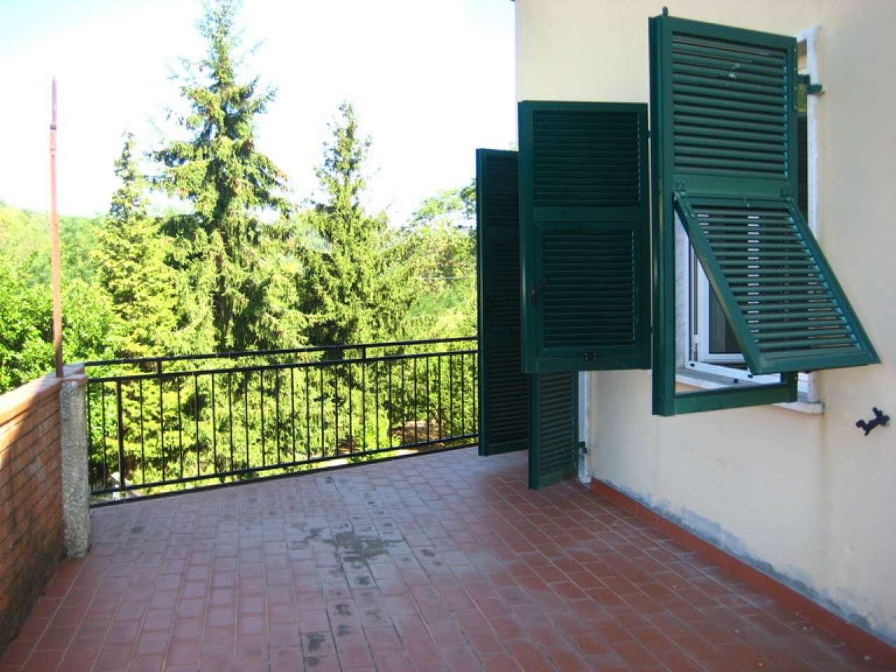 Appartamento in vendita a Riccò del Golfo di Spezia, 4 locali, prezzo € 90.000 | CambioCasa.it