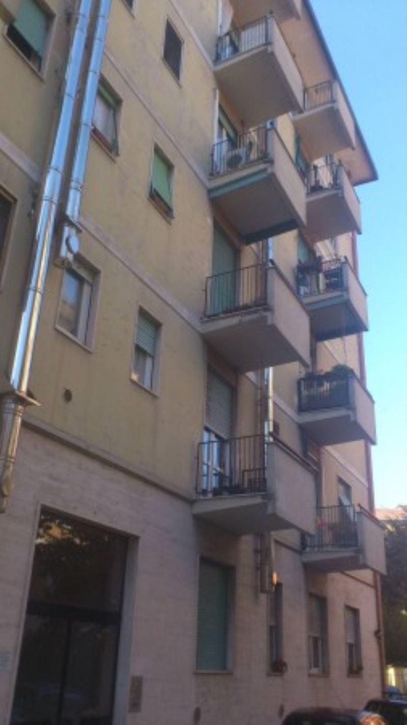 Bilocale Milano Via Bartolomeo Cabella 2