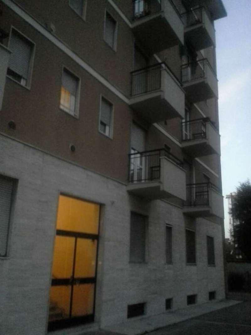 Bilocale Milano Via Cabella 1