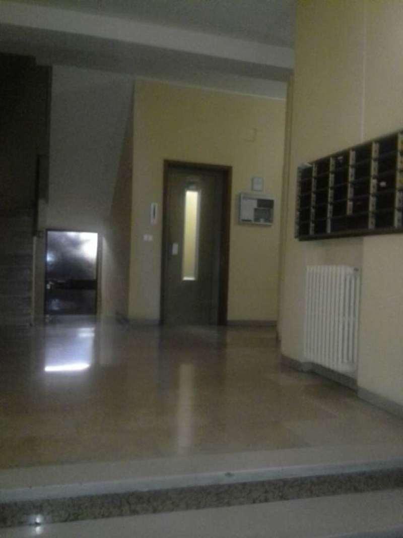 Bilocale Milano Via Cabella 2