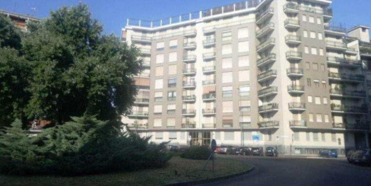 Appartamento in vendita a Milano, 4 locali, zona Zona: 12 . De Angeli, Vercelli, Washington, Sicilia, S. Michele del Carso, prezzo € 735.000 | CambioCasa.it