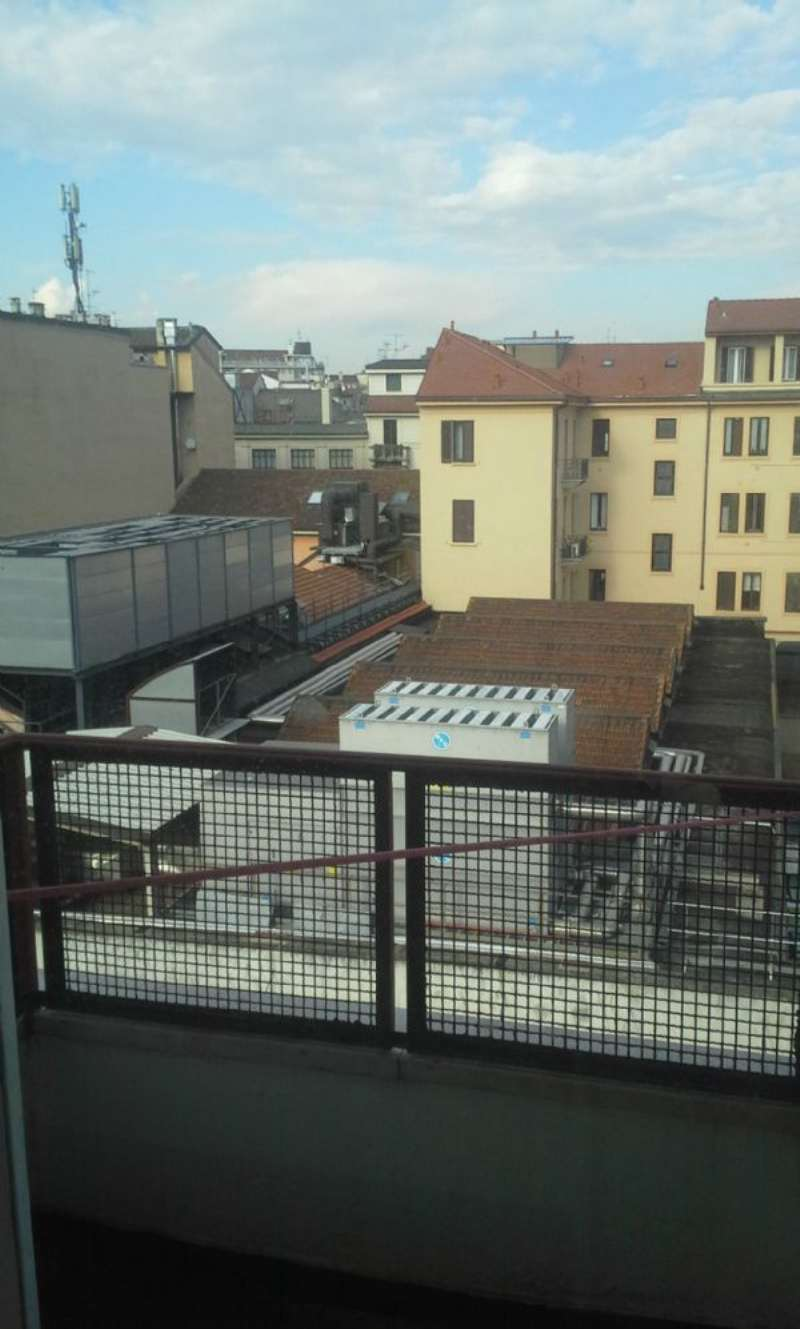 Bilocale Milano Via Spartaco 10