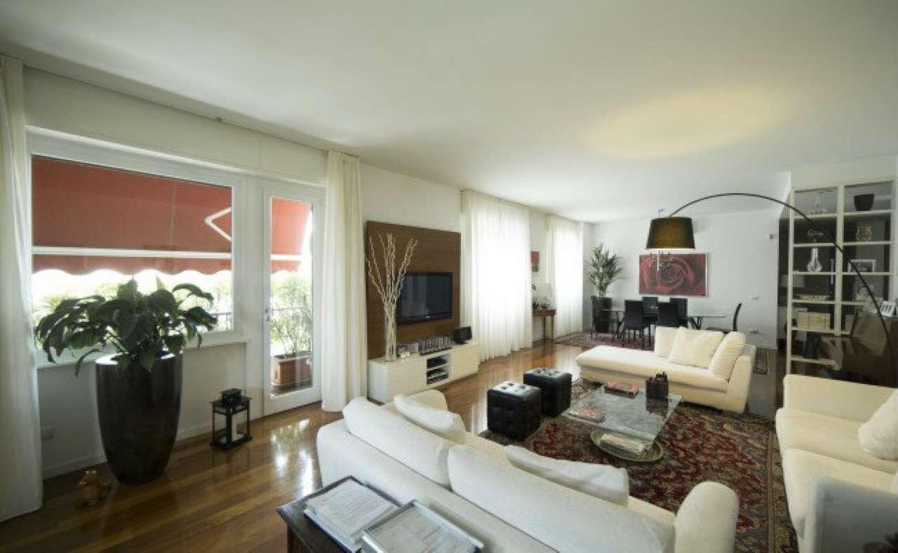 Appartamento in vendita a Milano, 6 locali, zona Zona: 15 . Fiera, Firenze, Sempione, Pagano, Amendola, Paolo Sarpi, Arena, Trattative riservate | Cambio Casa.it