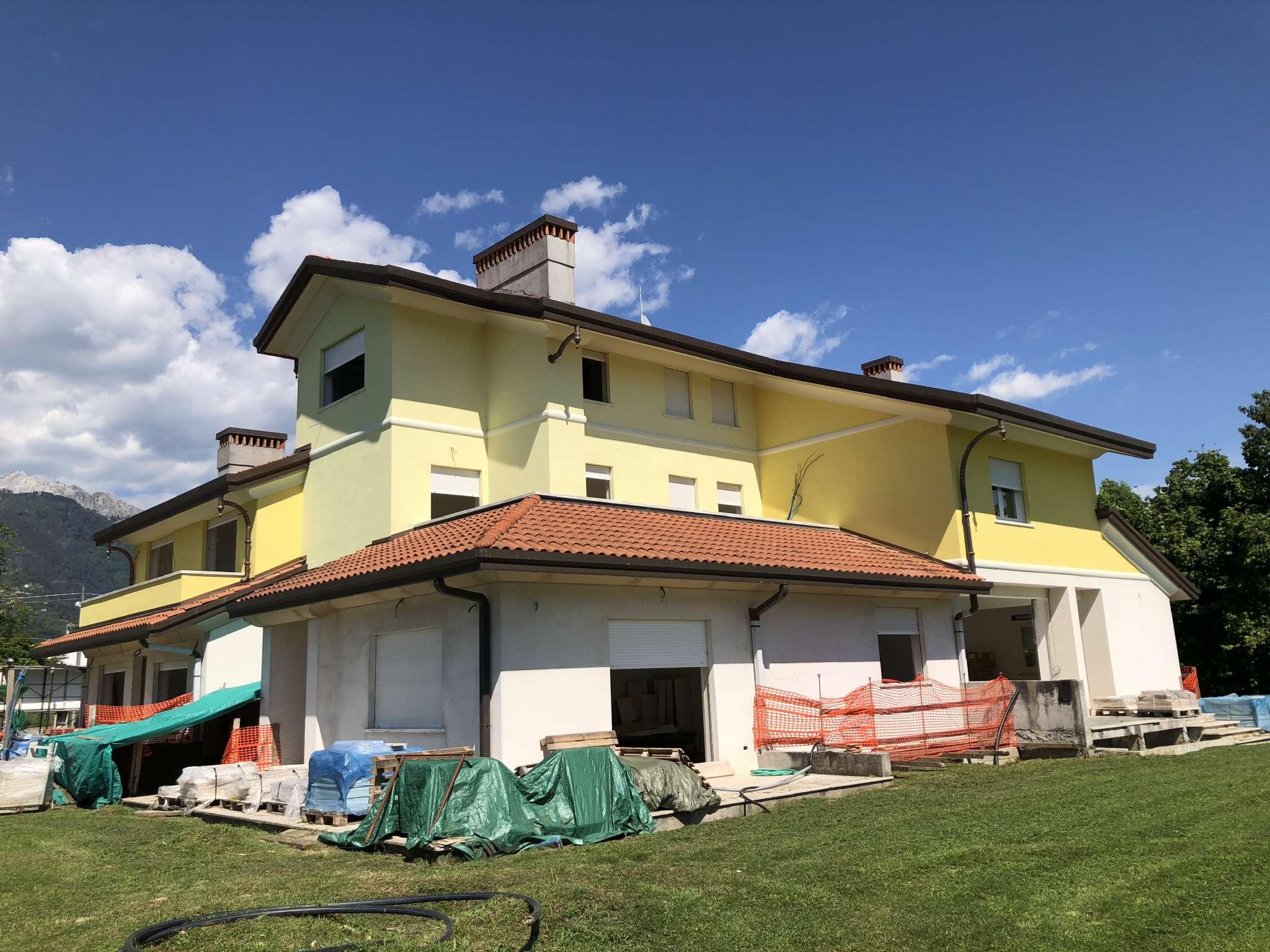 Villa in Vendita a Montignoso: 5 locali, 360 mq