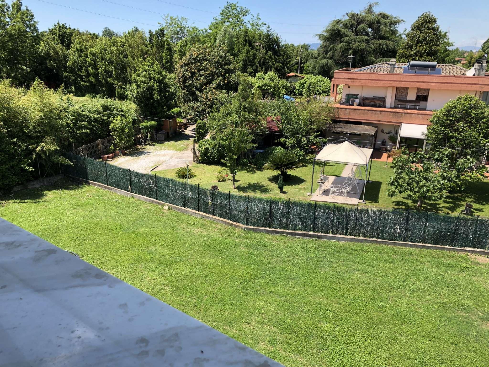 Villa in Vendita a Montignoso: 5 locali, 330 mq
