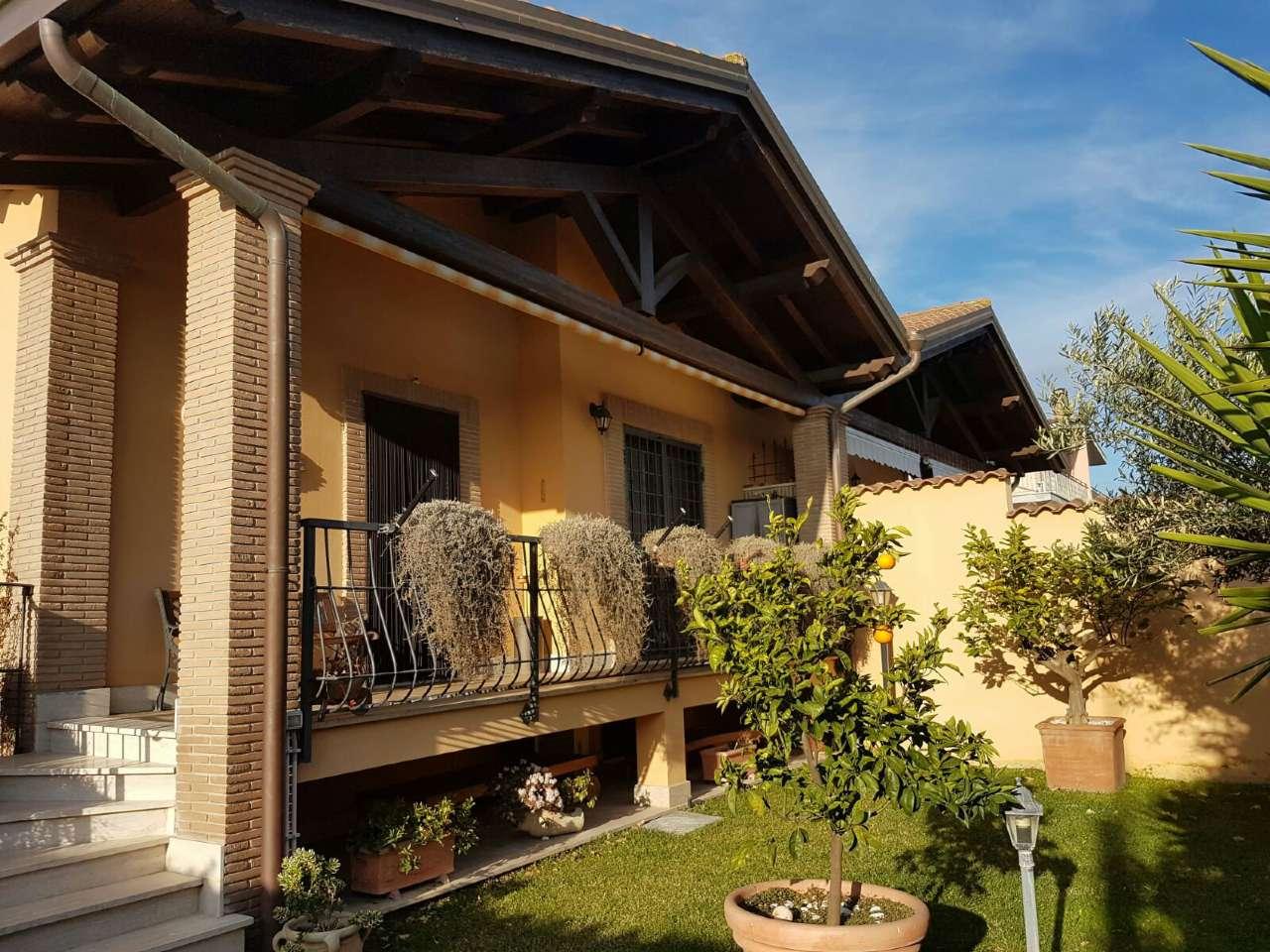 Ville tri quadrifamiliare in vendita a roma for Ville vendita roma