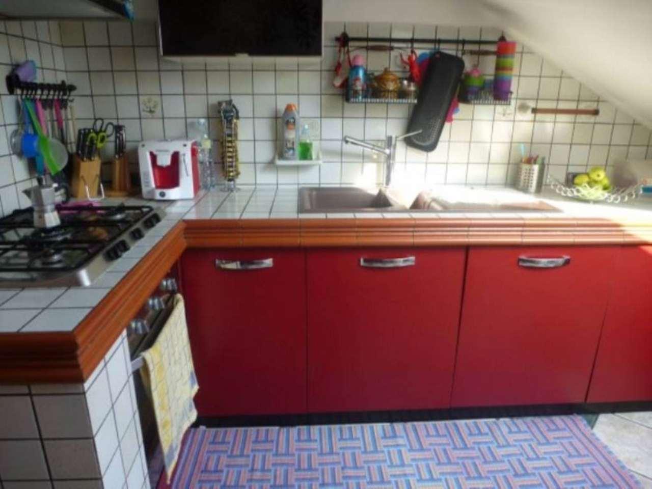 Appartamento in vendita a Bollate, 3 locali, prezzo € 180.000   CambioCasa.it