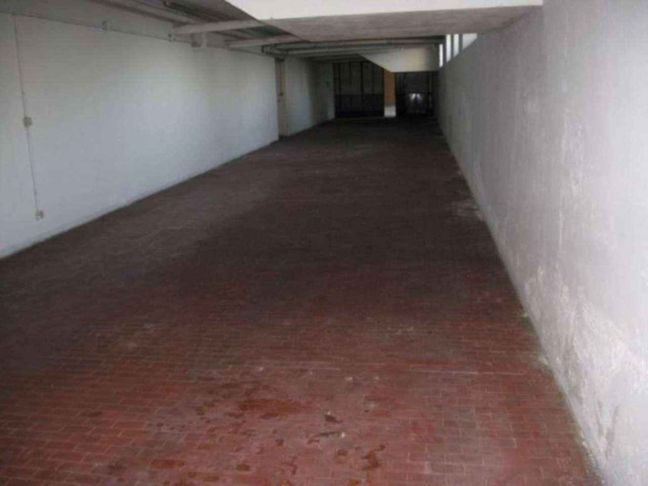 Magazzino in vendita a Bollate, 9999 locali, prezzo € 97.000 | Cambio Casa.it
