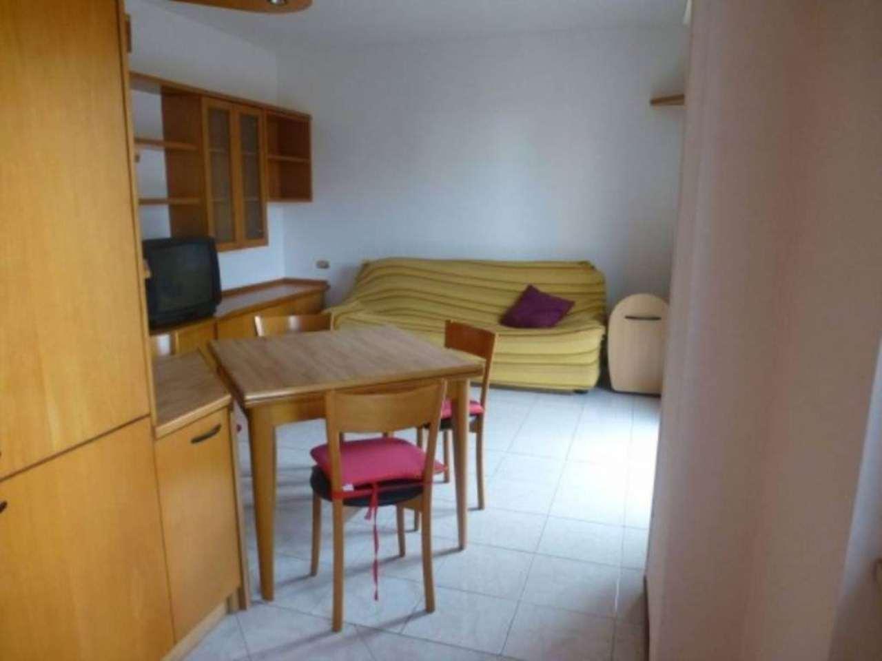 Appartamento in affitto a Bollate, 3 locali, prezzo € 630 | Cambio Casa.it
