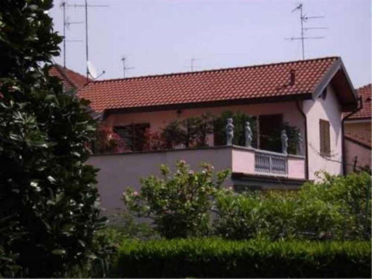Villa in Vendita a Bollate