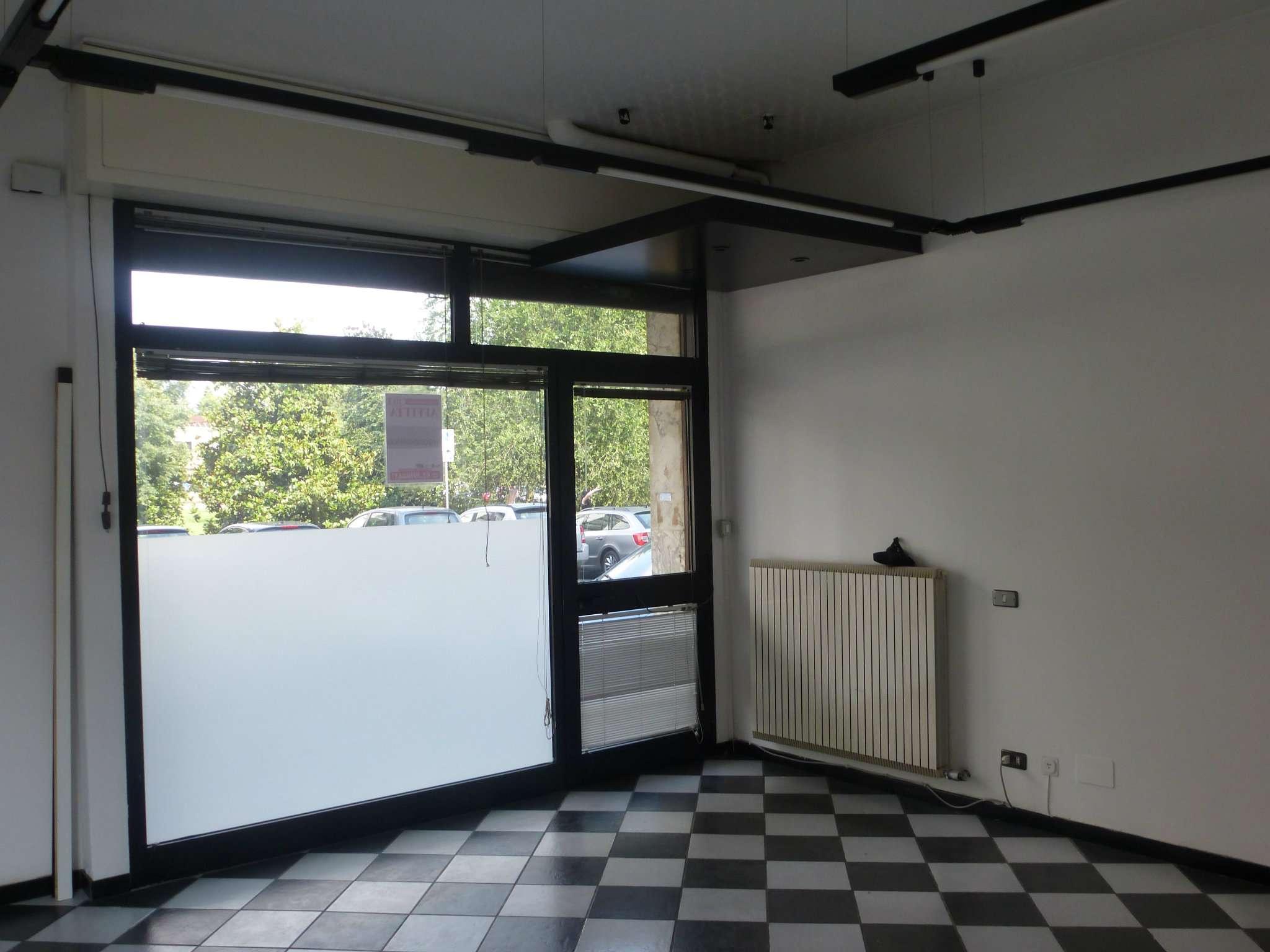 Negozio / Locale in affitto a Novate Milanese, 1 locali, prezzo € 700 | Cambio Casa.it
