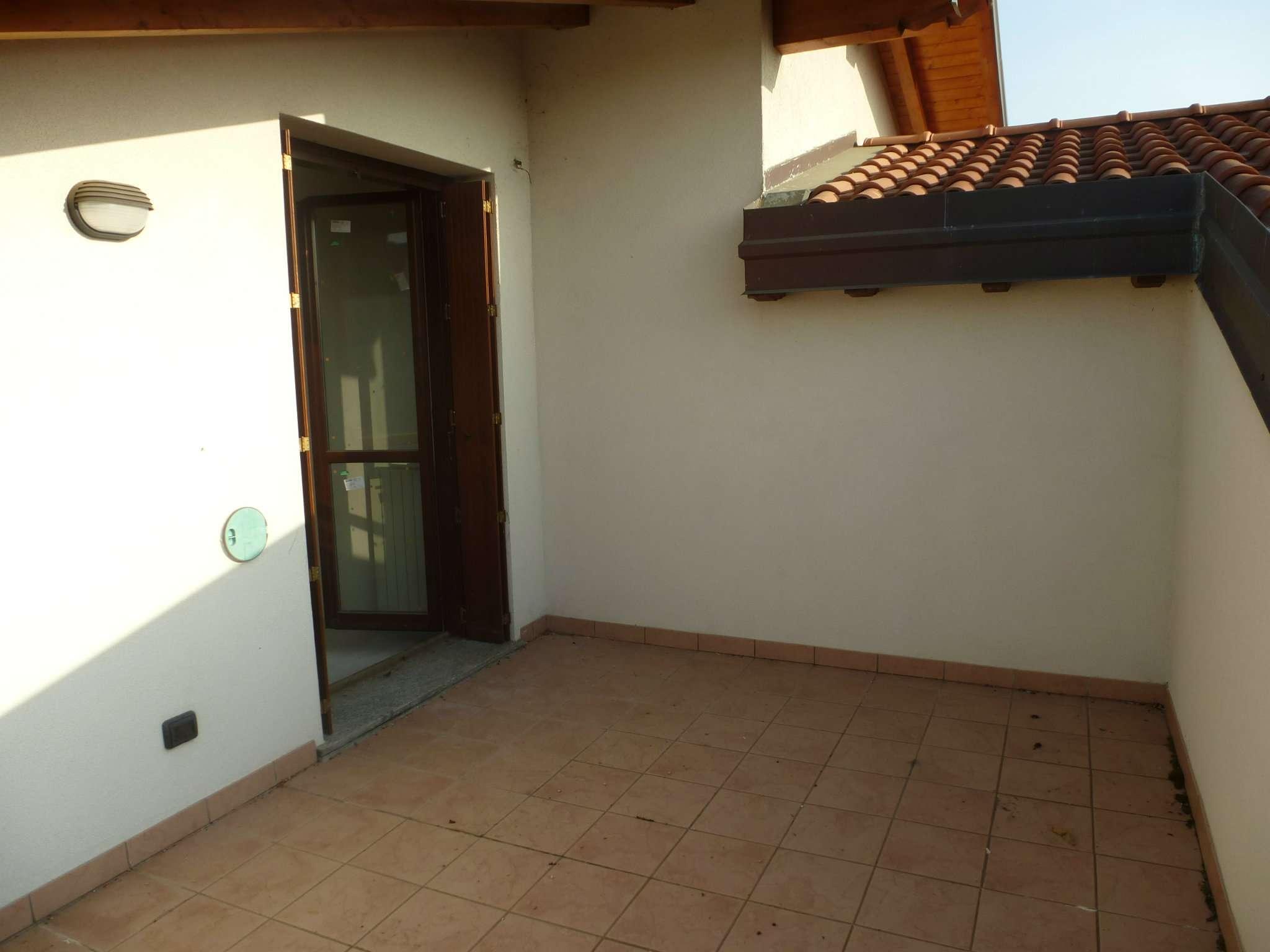 Appartamento in vendita a Nerviano, 3 locali, prezzo € 260 | CambioCasa.it