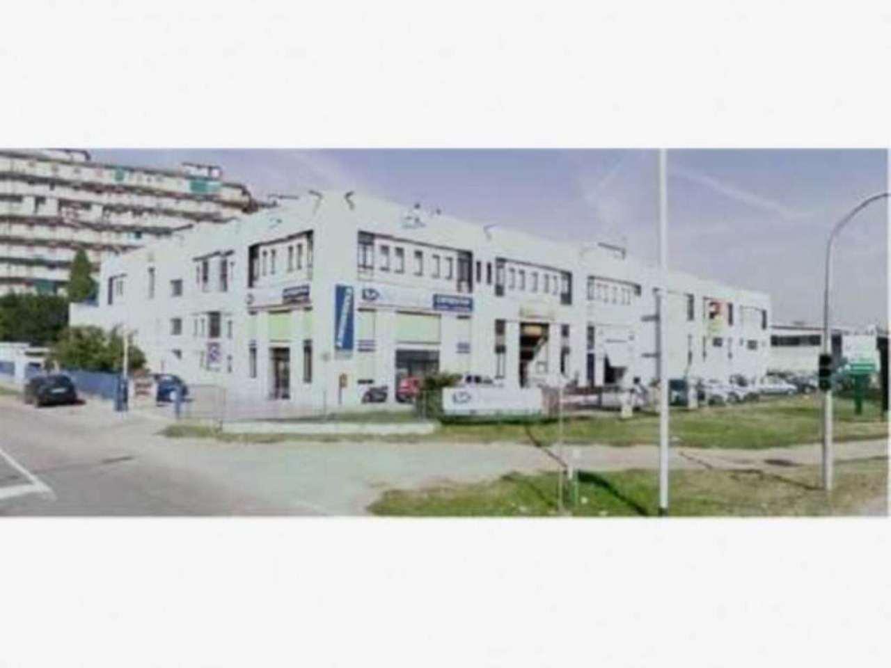 Magazzino in vendita a Cernusco sul Naviglio, 1 locali, prezzo € 250.000 | CambioCasa.it