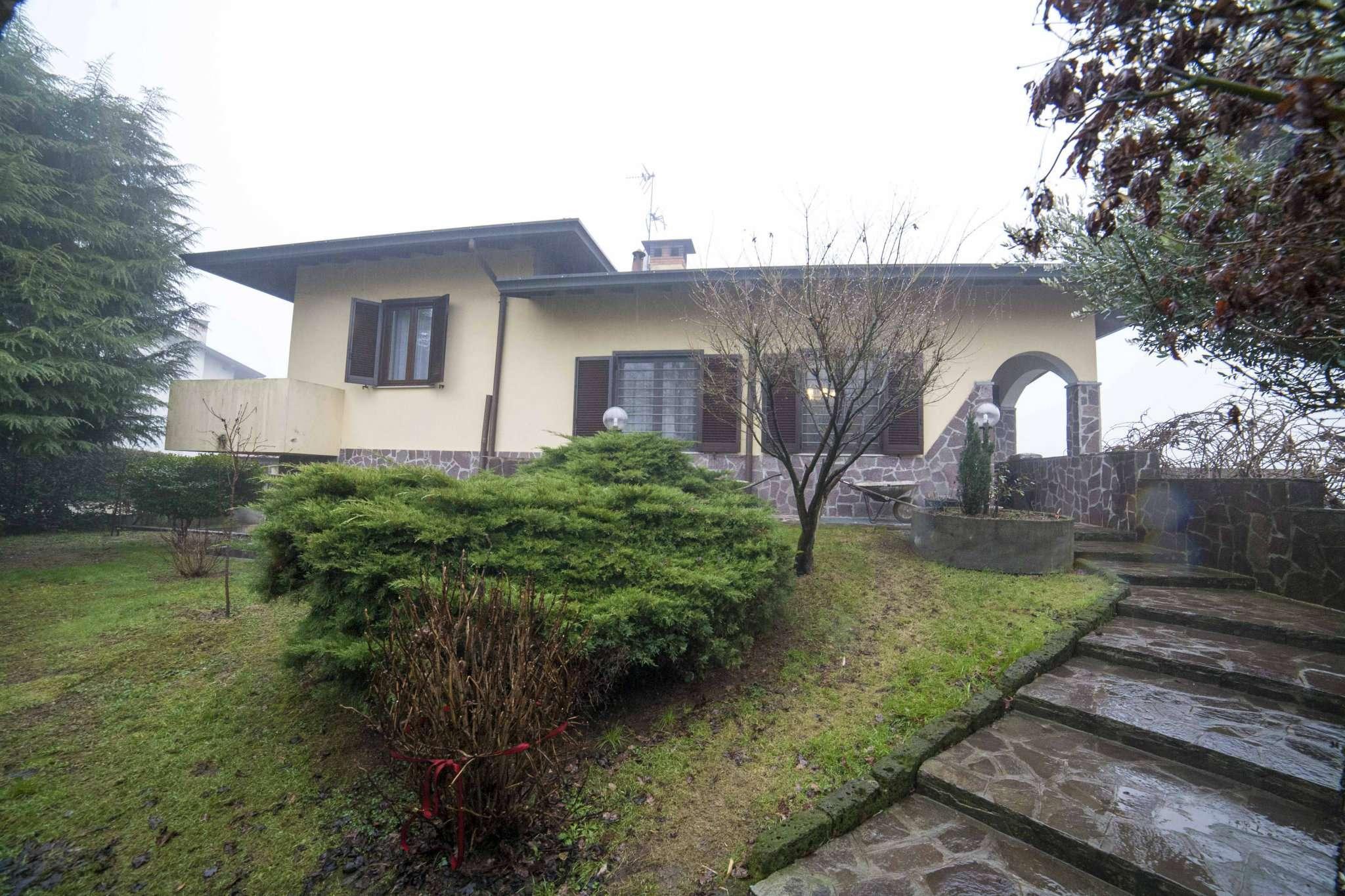 Villa in vendita a Arconate, 6 locali, prezzo € 390.000 | CambioCasa.it