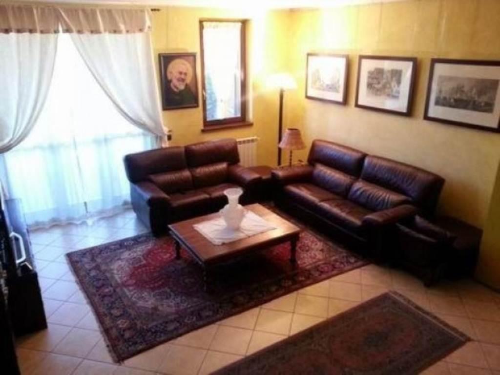 Appartamento in vendita a Agrate Brianza, 4 locali, prezzo € 260.000 | Cambio Casa.it