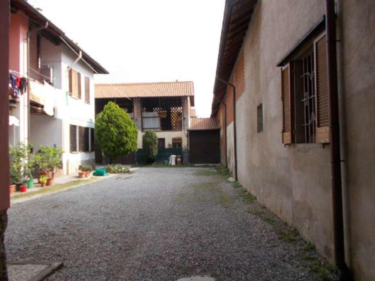 Rustico / Casale in vendita a Cavenago di Brianza, 3 locali, prezzo € 75.000 | Cambio Casa.it