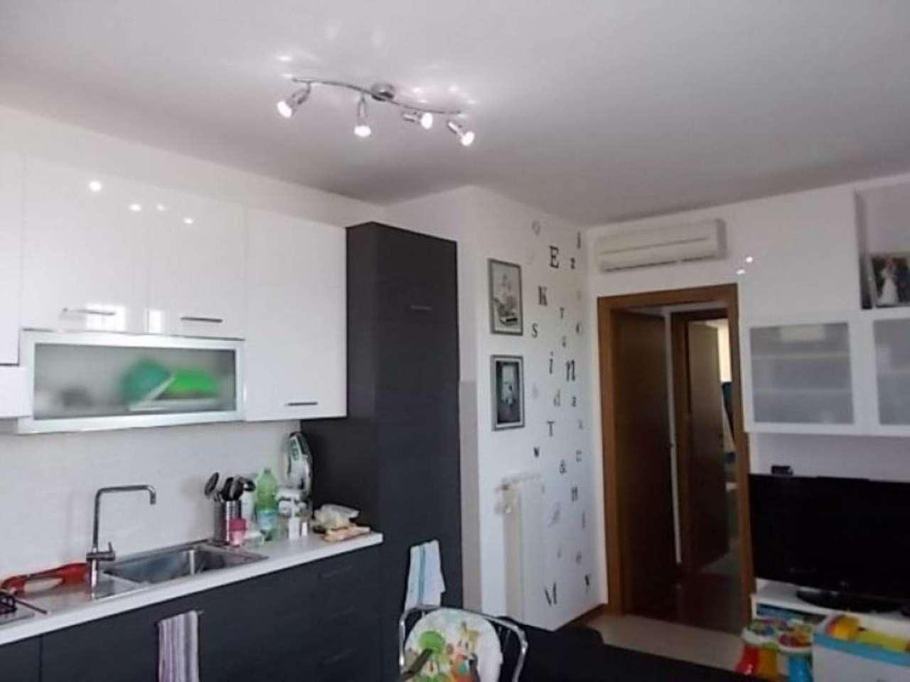 Appartamento in vendita a Ornago, 2 locali, prezzo € 129.000 | Cambio Casa.it