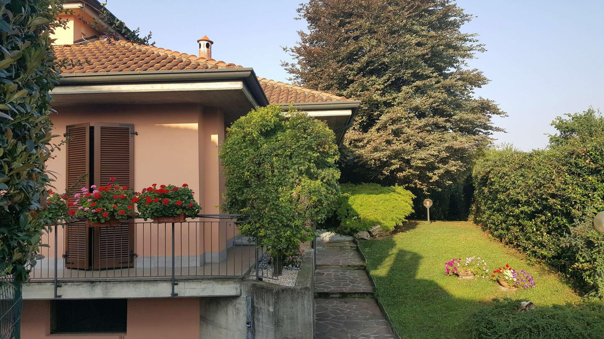 Villa in Vendita a Carnate