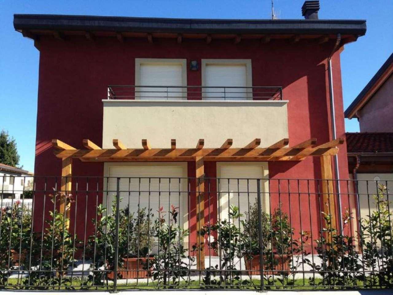 Casa cassano all in vendita waa2 for 1250 piedi quadrati di casa