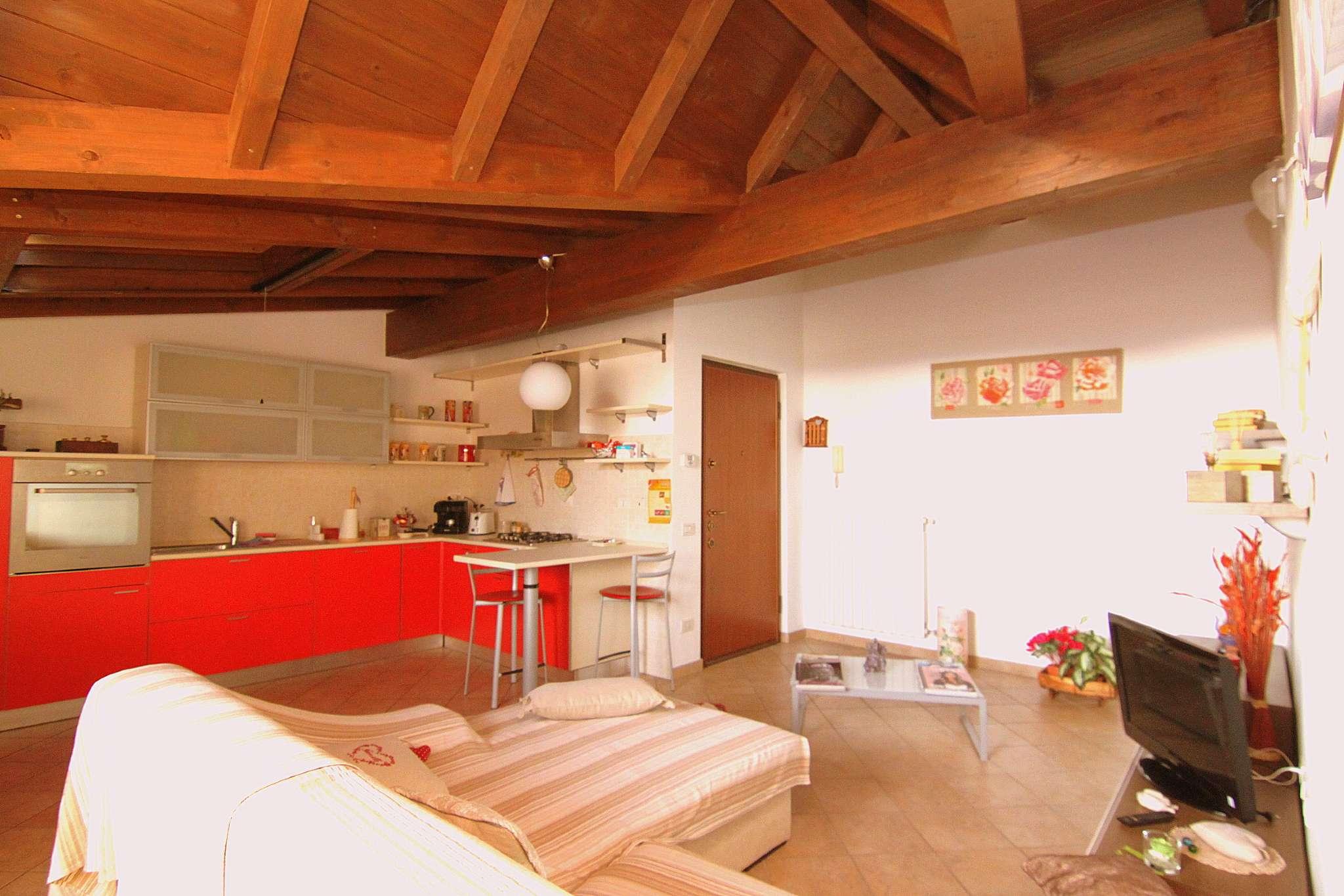 Appartamento in vendita a Magnago, 2 locali, prezzo € 79.000   CambioCasa.it