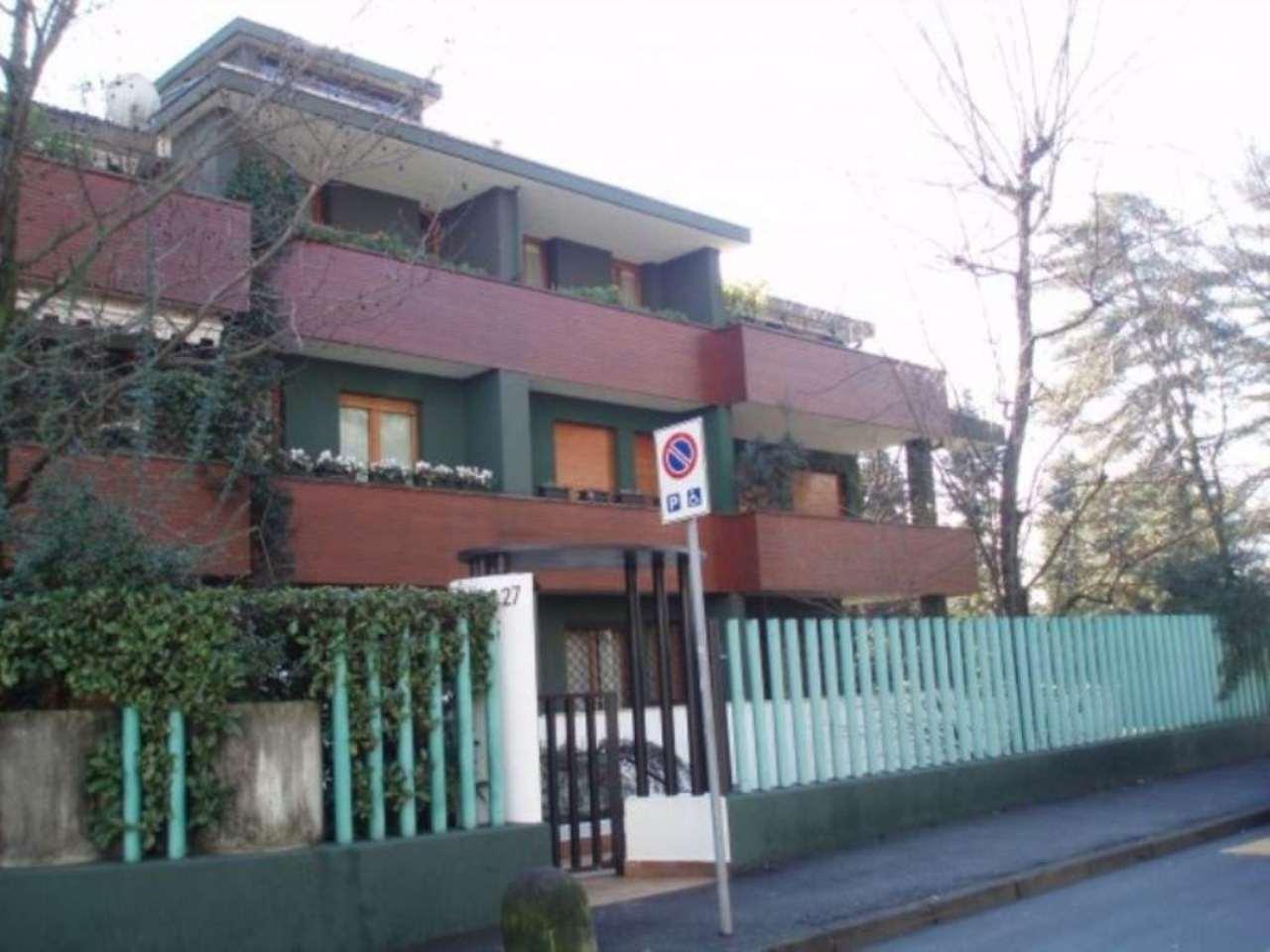 Bilocale Monza Via Vincenzo Bellini 1