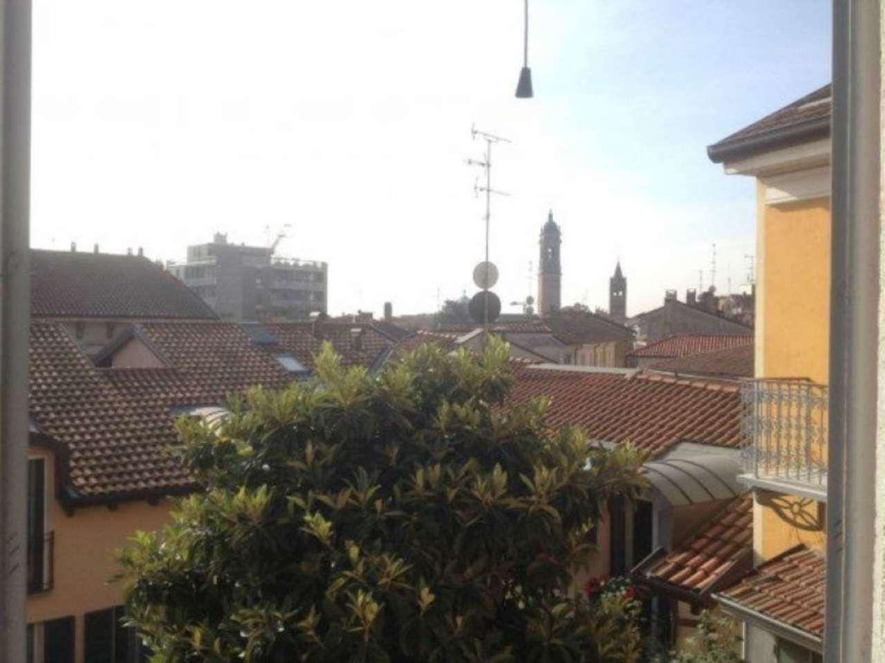 Bilocale Monza Via Carlo Alberto 11