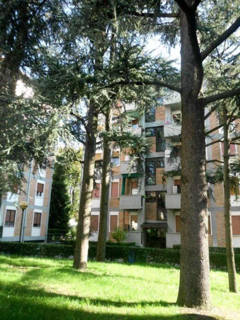 Bilocale Monza Via Pellegrini 11