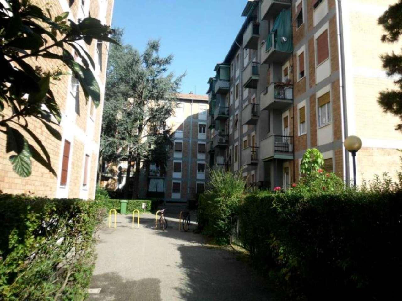 Bilocale Monza Via Pellegrini 12