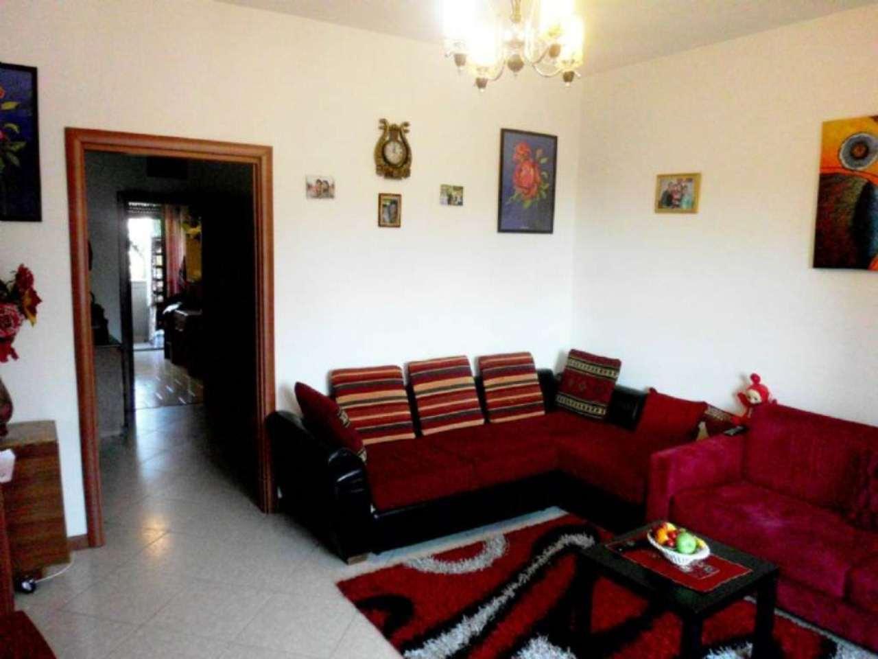 Bilocale Monza Via Pellegrini 4