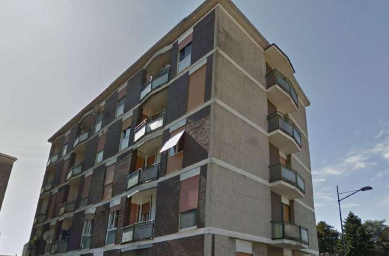 Bilocale Monza Via Galileo Galilei 3