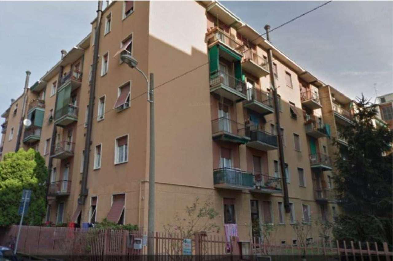 Bilocale Monza Via Tasso 1