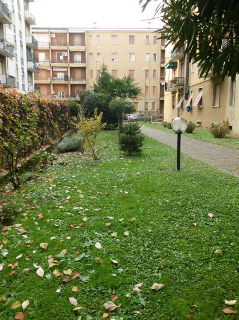 Bilocale Monza Via Tasso 11