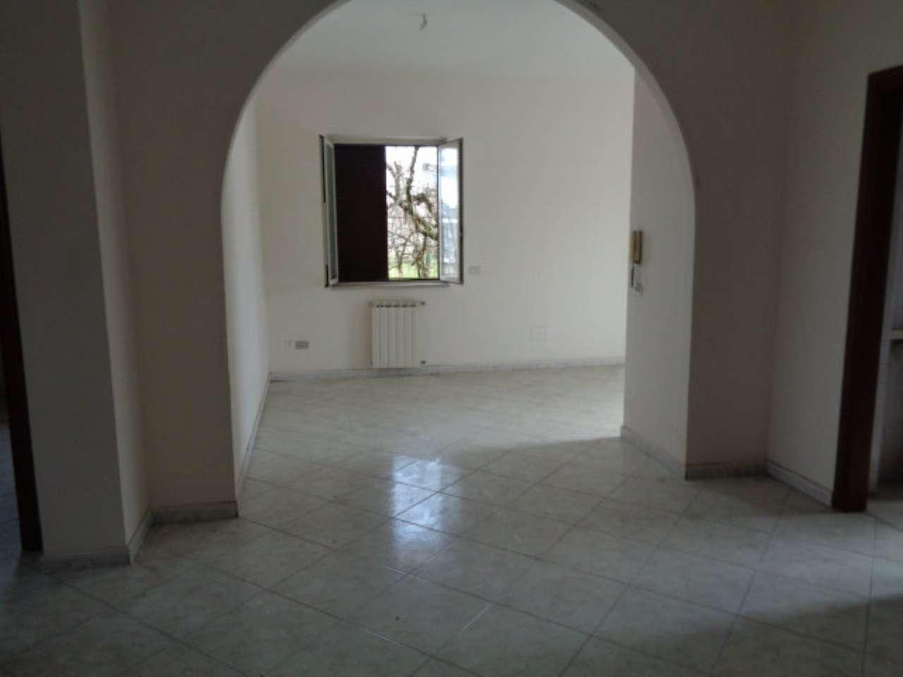 Appartamento in affitto a Calvizzano, 3 locali, prezzo € 390 | CambioCasa.it