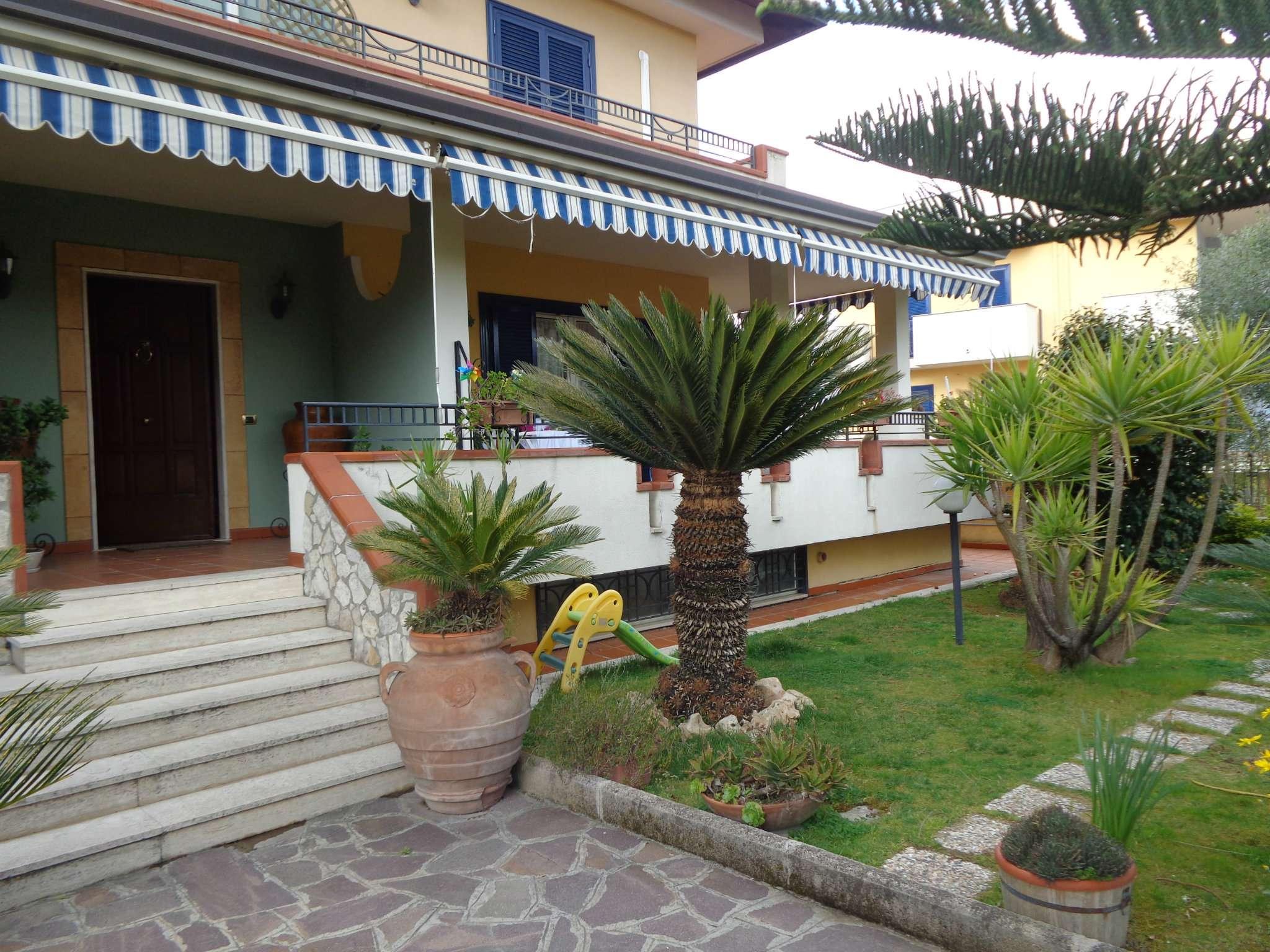 Villa in vendita a Marano di Napoli, 6 locali, prezzo € 750.000   CambioCasa.it