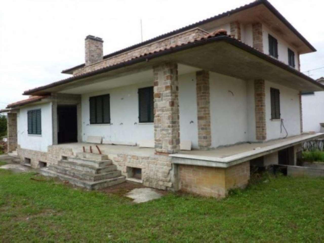 Villa in vendita a Serravalle Pistoiese, 6 locali, prezzo € 600.000 | CambioCasa.it