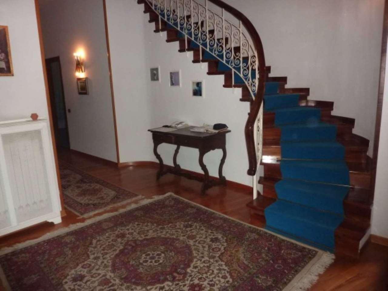 Villa in vendita a Quarrata, 6 locali, prezzo € 800.000   CambioCasa.it