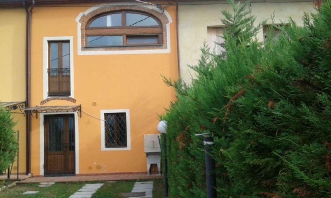 Soluzione Indipendente in vendita a Pistoia, 3 locali, prezzo € 180.000 | CambioCasa.it