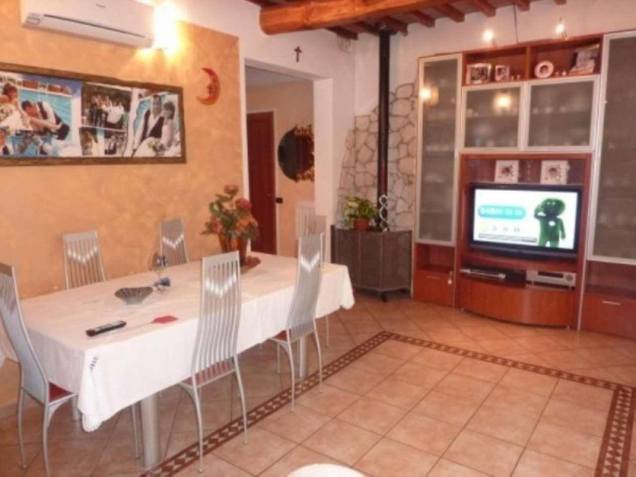 Soluzione Indipendente in vendita a Agliana, 6 locali, prezzo € 320.000 | CambioCasa.it