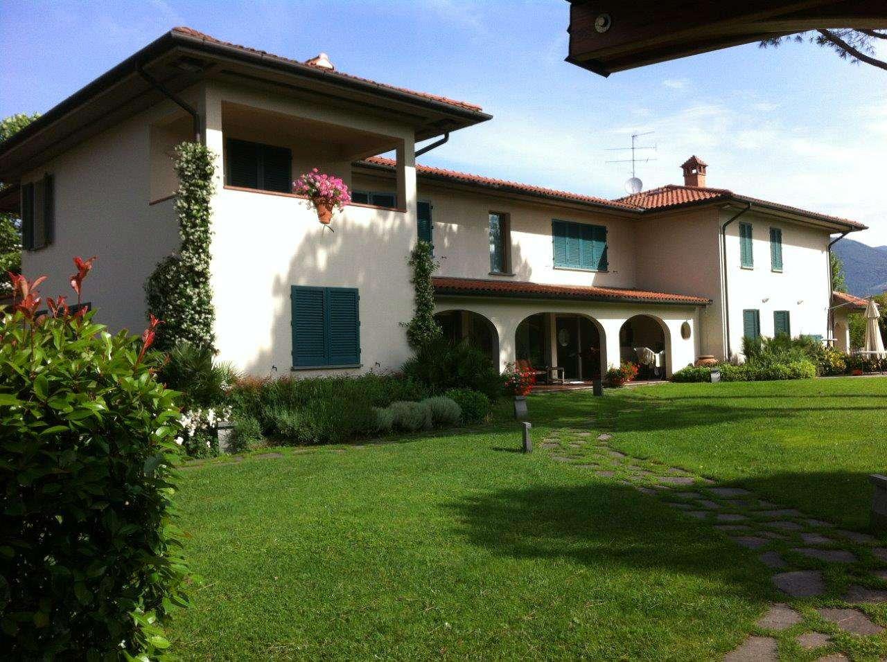 Villa in vendita a Agliana, 6 locali, Trattative riservate | CambioCasa.it