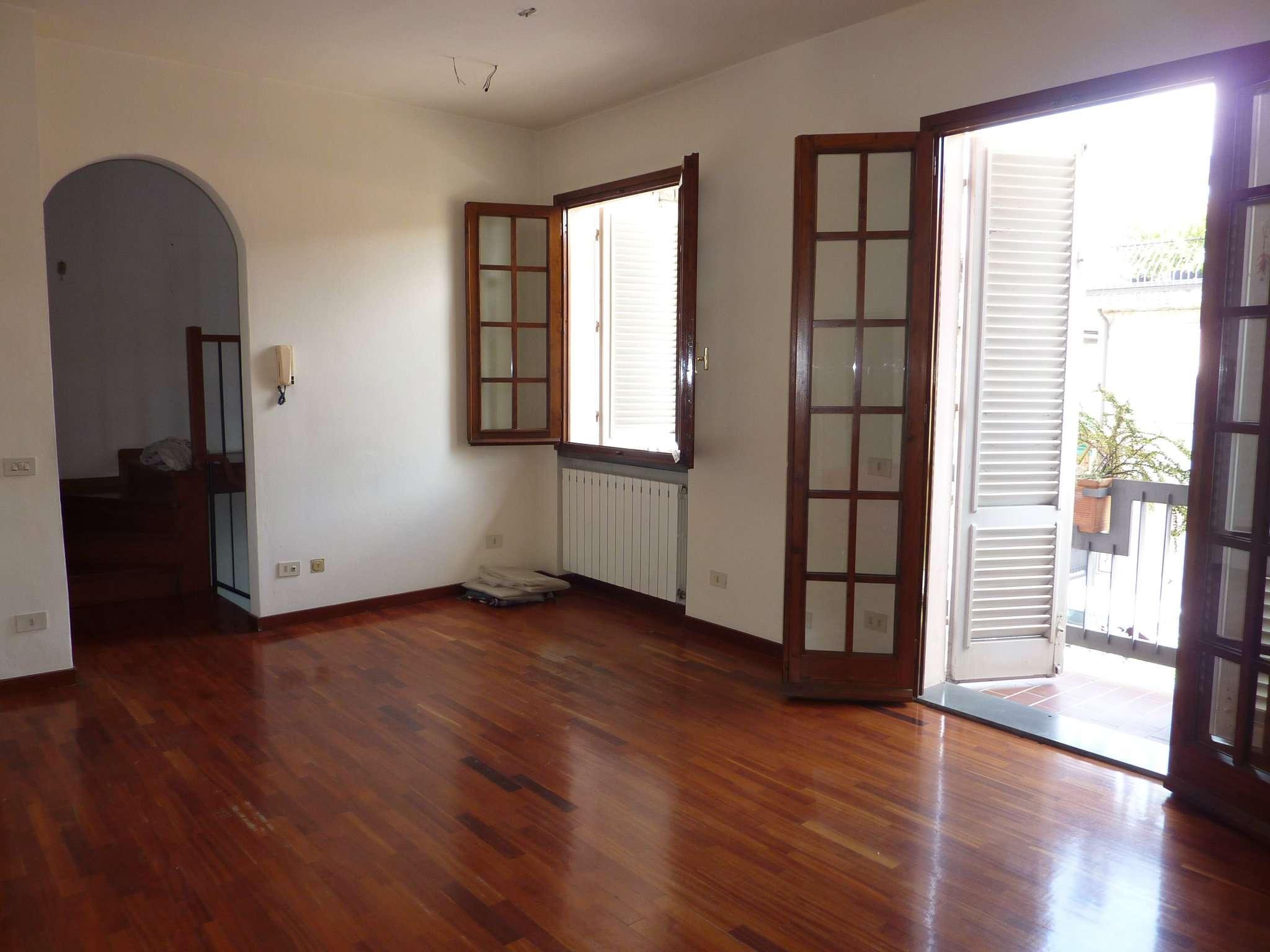 Appartamento in affitto a Agliana, 4 locali, prezzo € 850 | CambioCasa.it