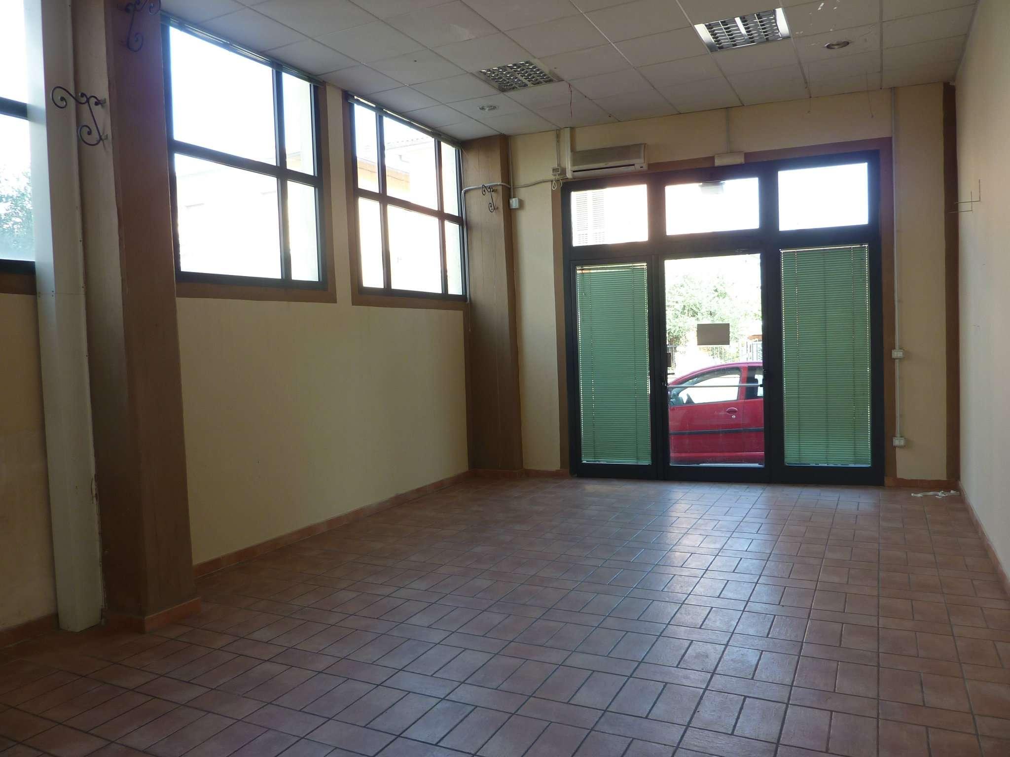 Negozio / Locale in Affitto a Agliana