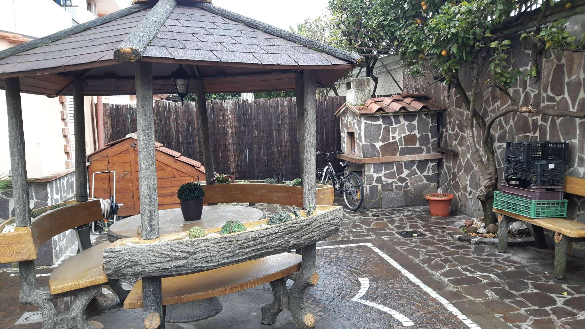Villa in vendita a Villaricca, 7 locali, prezzo € 450.000 | Cambio Casa.it