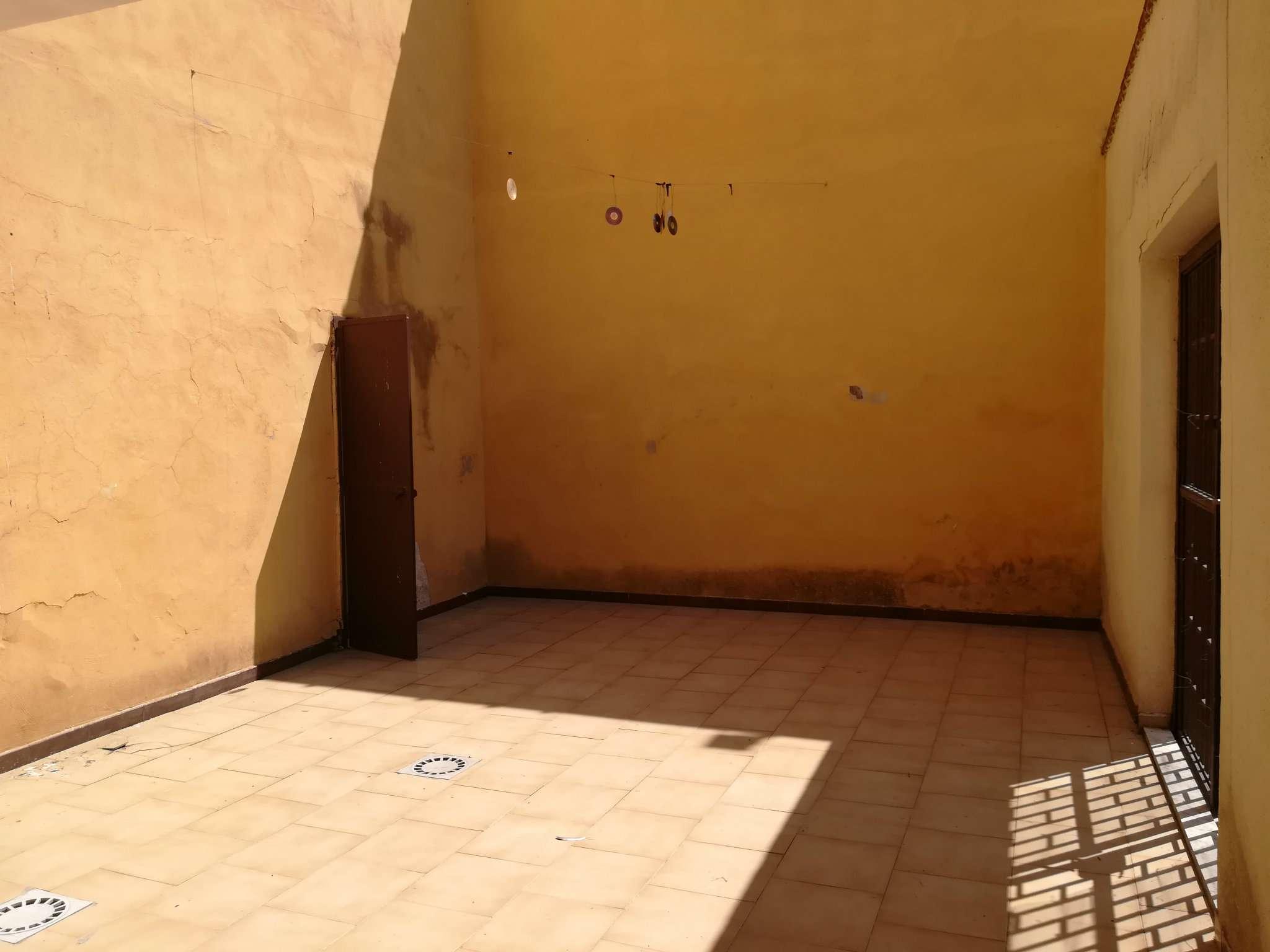 Appartamento in vendita a San Giorgio a Cremano, 2 locali, prezzo € 80.000   CambioCasa.it