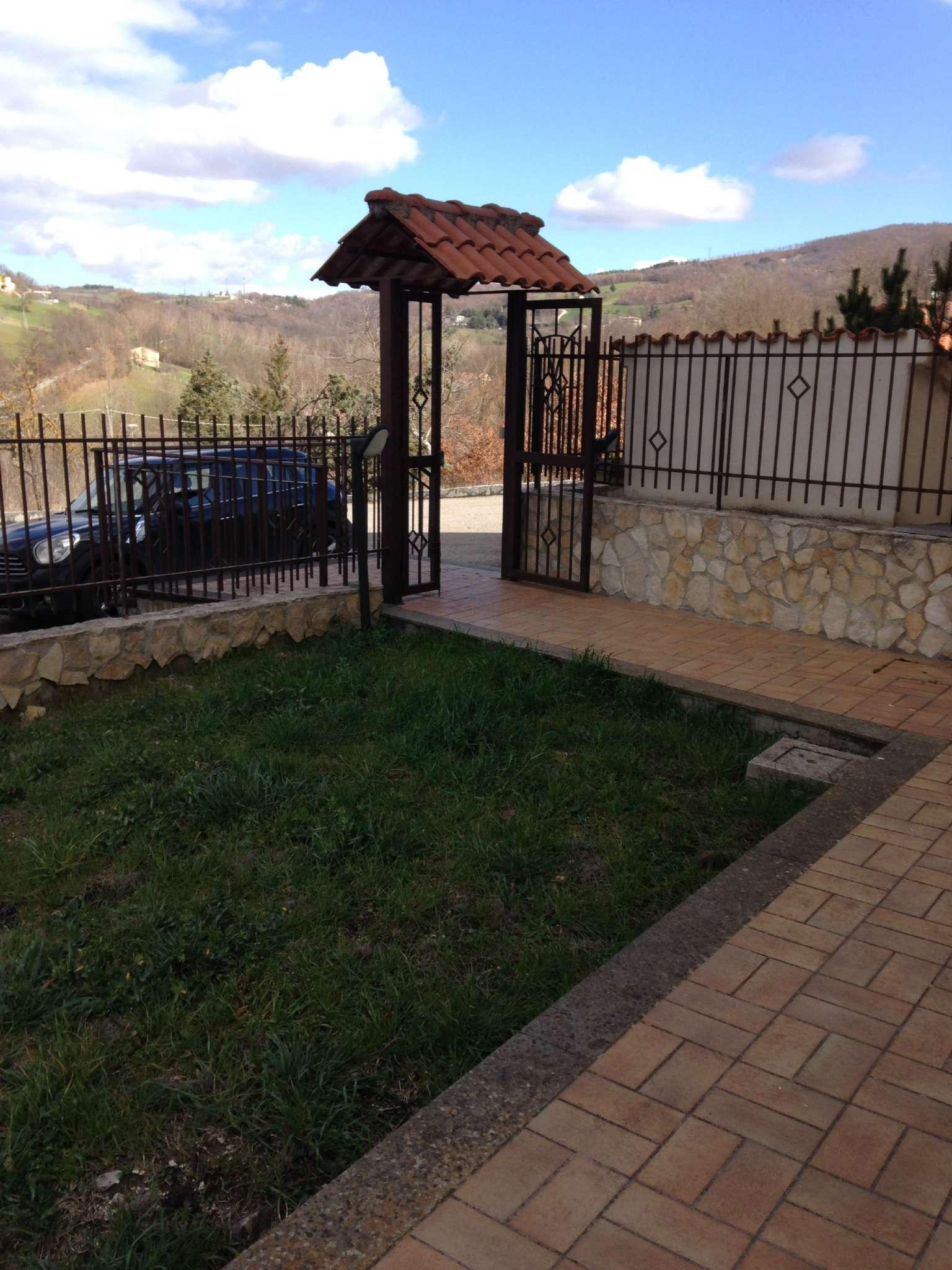 Villa a Schiera in affitto a Vinchiaturo, 6 locali, prezzo € 400 | CambioCasa.it