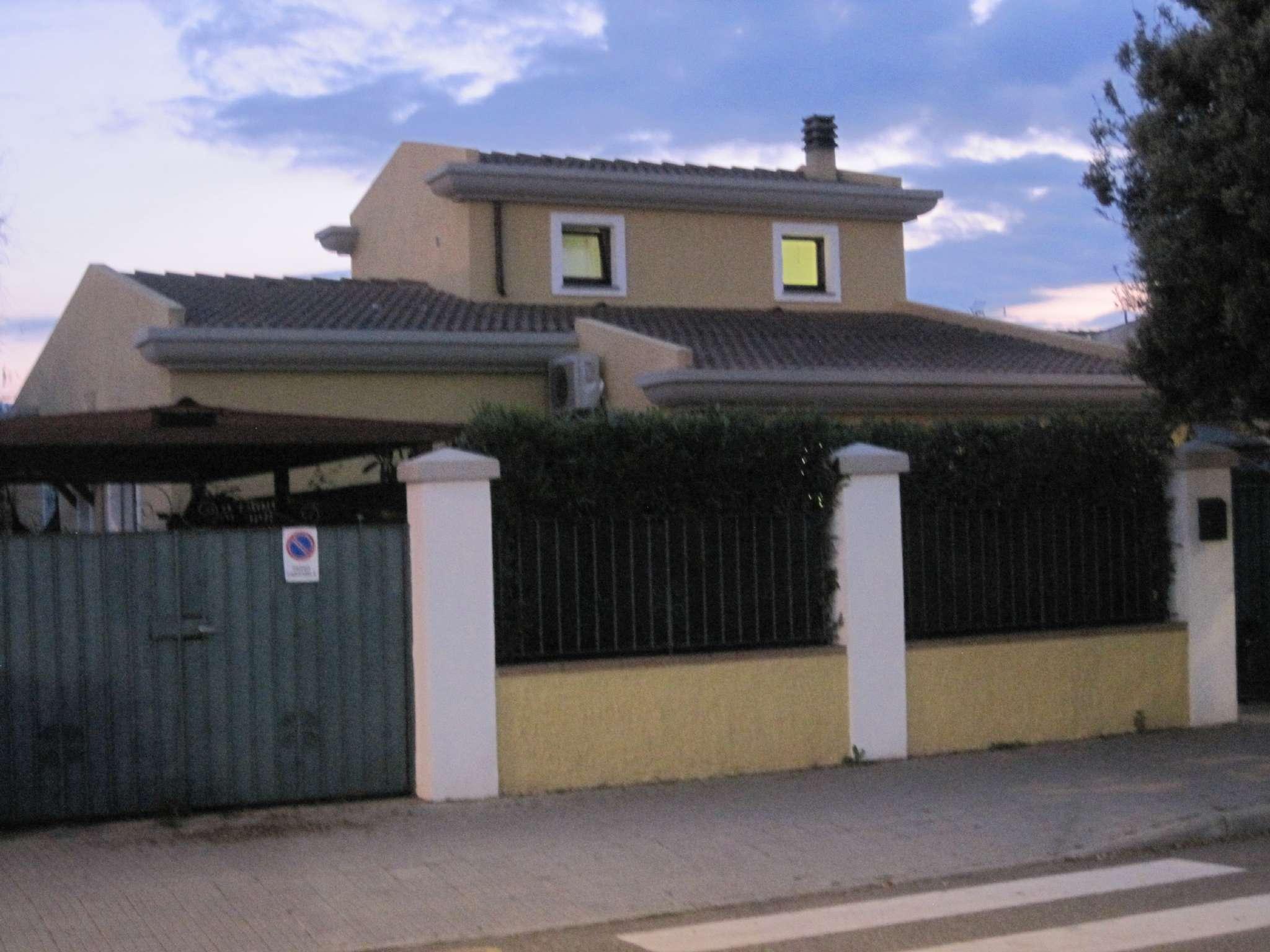 Villa in affitto a Capoterra, 8 locali, prezzo € 1.200 | Cambio Casa.it
