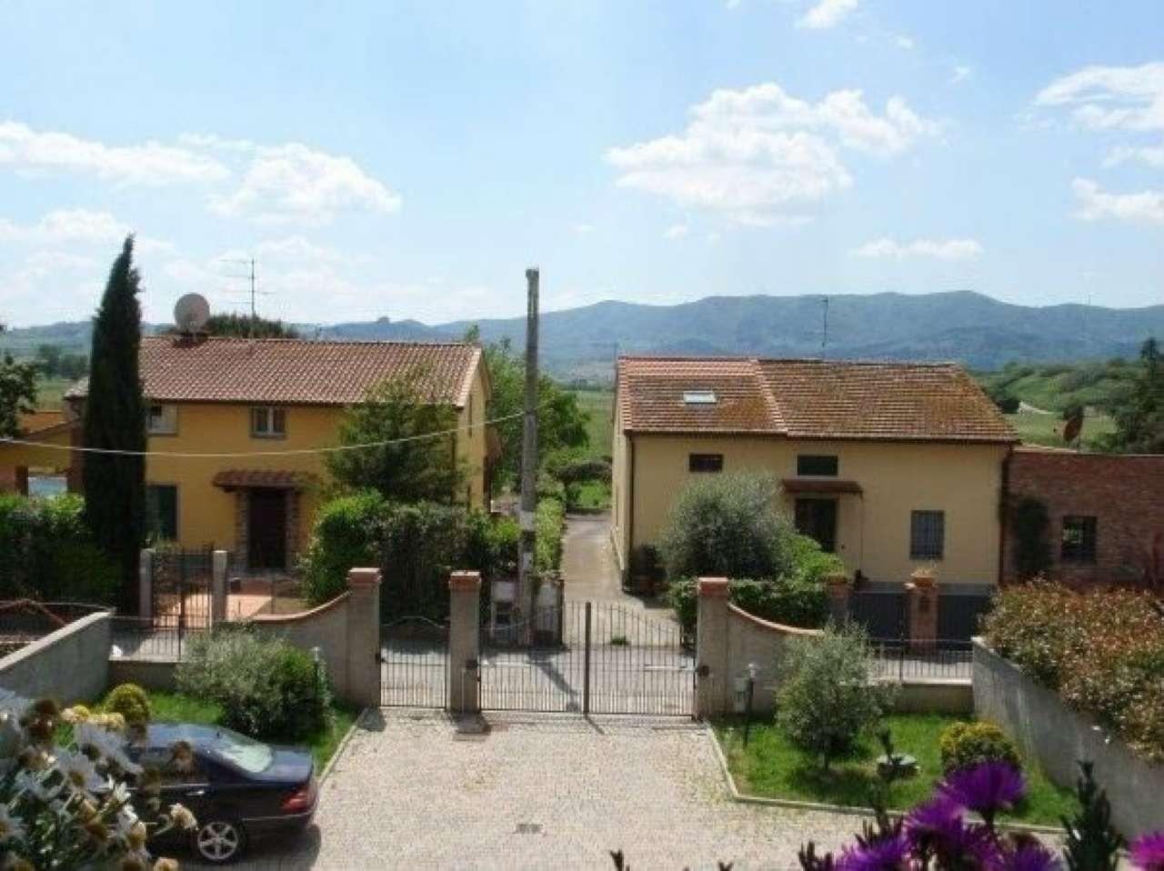 Casa colonica 5 locali in vendita a Prato (PO)