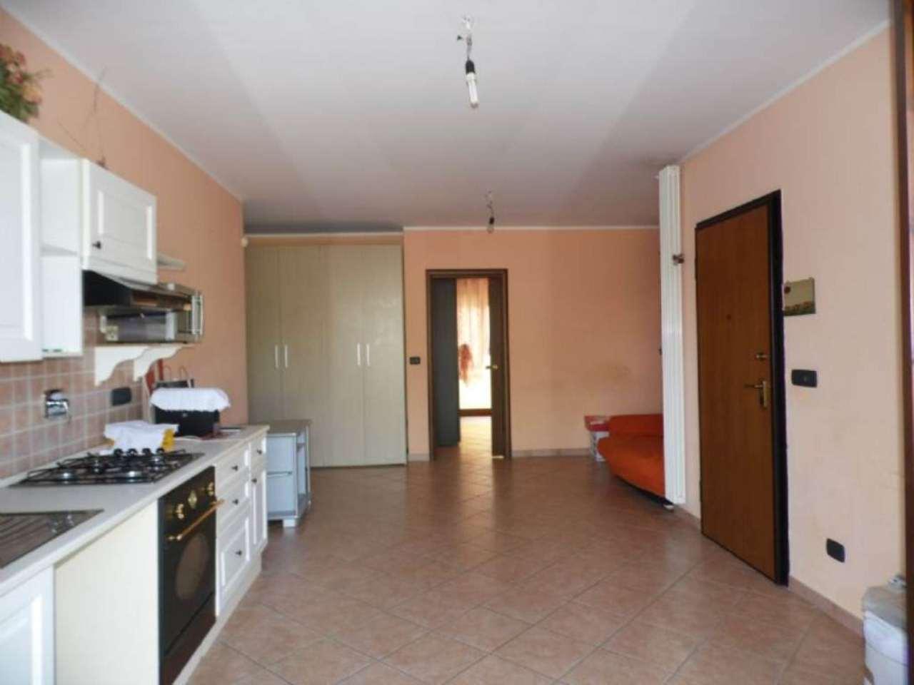 Bilocale Borgaro Torinese Via Settimo 3