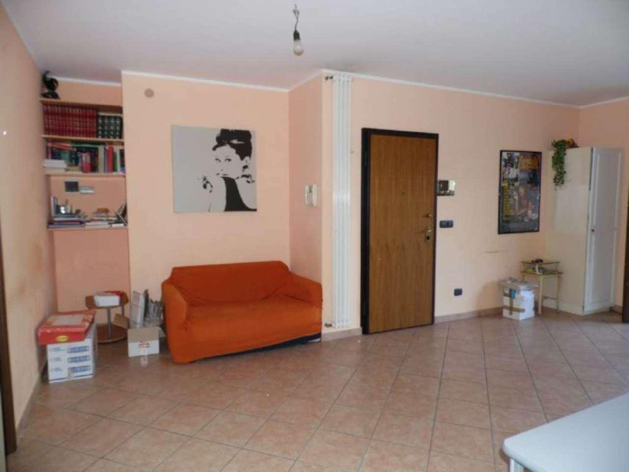 Bilocale Borgaro Torinese Via Settimo 1