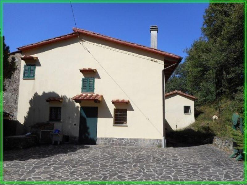 Rustico / Casale in vendita a Serravalle Pistoiese, 6 locali, prezzo € 430.000 | CambioCasa.it